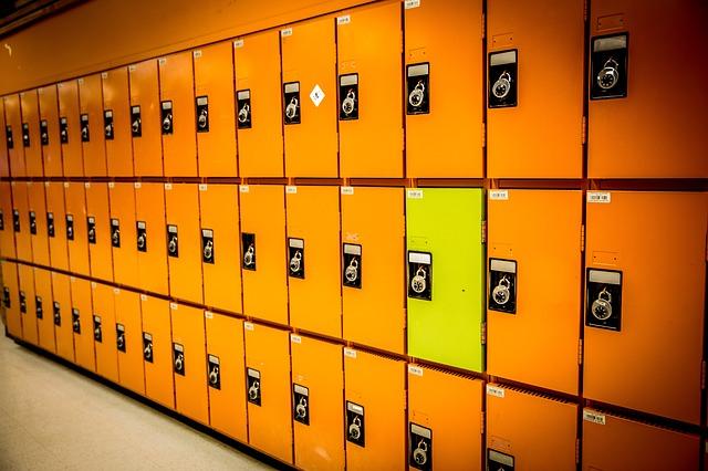 školní skříňky